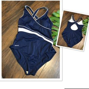SPEEDO Strap One Piece Swimsuit